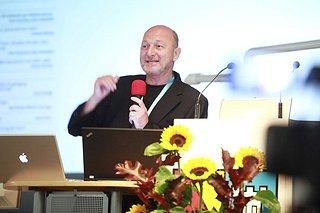2010 keynote 004