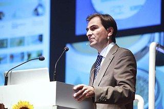 2010 keynote 129